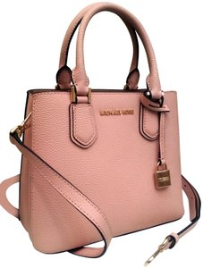 861f06abdfb5 Michael Kors Tote in Pink. Michael Kors Messenger Carryall Fulton Small  Adele and Card Case Wallet ...