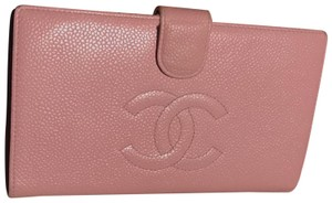 Chanel Chanel caviar Pink bifold wallet