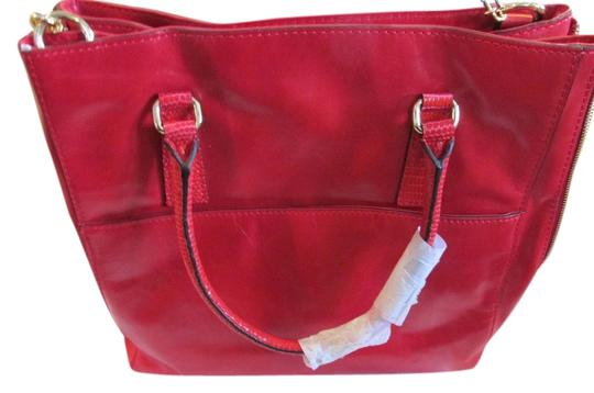 Preload https://img-static.tradesy.com/item/2417281/milly-gabriella-red-leather-tote-0-0-540-540.jpg