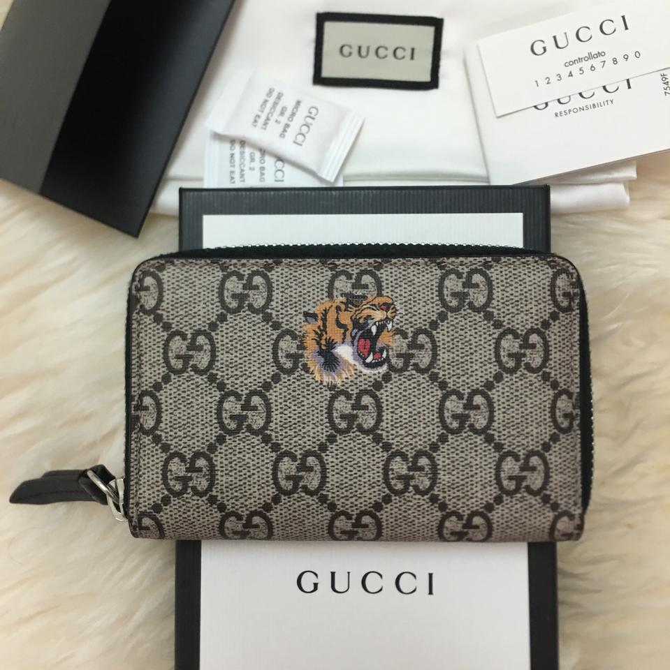 69eedd49037cd6 Gucci Black Tiger Print Gg Supreme Zip Card Case Wallet - Tradesy
