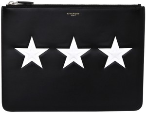 60b05d04ca1 Givenchy Pouches - Up to 70% off at Tradesy