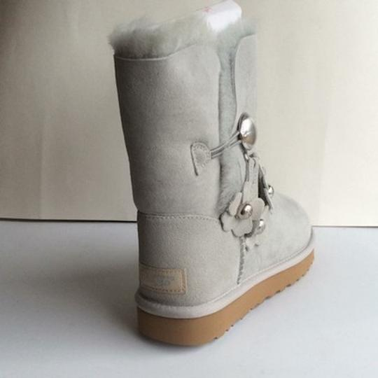 c4bf15bac2b UGG Australia Grey Violet Women's Bailey Button Poppy Boots/Booties Size US  8 Regular (M, B) 15% off retail