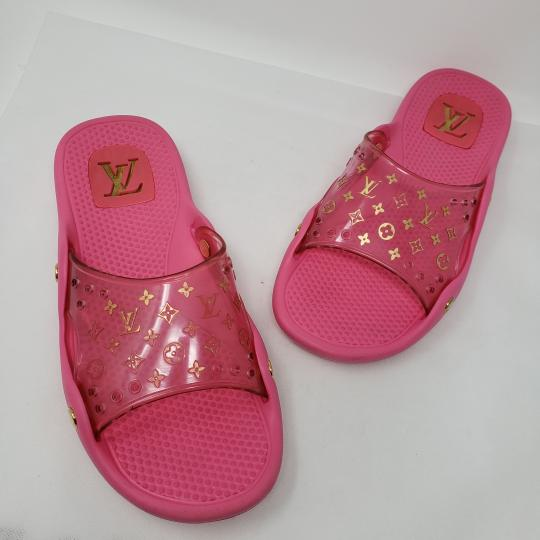 Louis Vuitton Pvc Gold Hardware Lv Perforated Jelly Pink Sandals Image 11