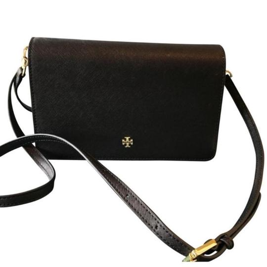 Preload https://img-static.tradesy.com/item/24176435/tory-burch-york-combo-black-leather-cross-body-bag-0-0-540-540.jpg