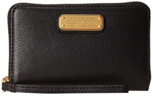 Marc by Marc Jacobs New Q Wingman Leather Wallet Purse Leather Purse Wristlet in Black