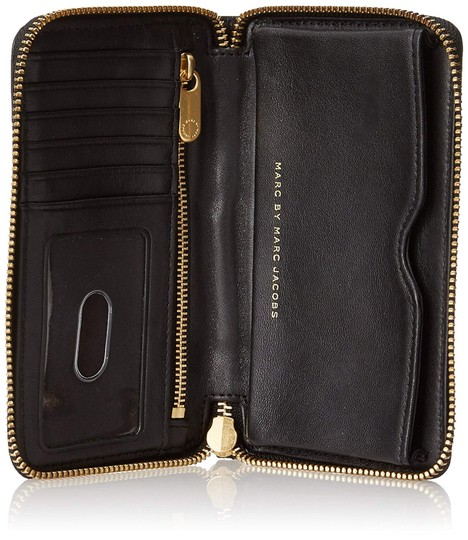 Marc by Marc Jacobs New Q Wingman Leather Wallet Purse Leather Purse Wristlet in Black Image 3