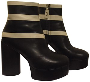 Marc Jacobs Black and white Boots
