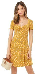 Forever 21 short dress yellow and cream flowers on Tradesy