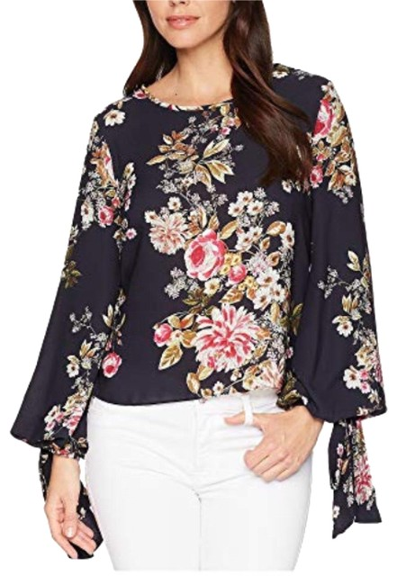 Preload https://img-static.tradesy.com/item/24177017/vince-camuto-navy-tie-cuff-balloon-sleeve-floral-blouse-size-4-s-0-1-650-650.jpg
