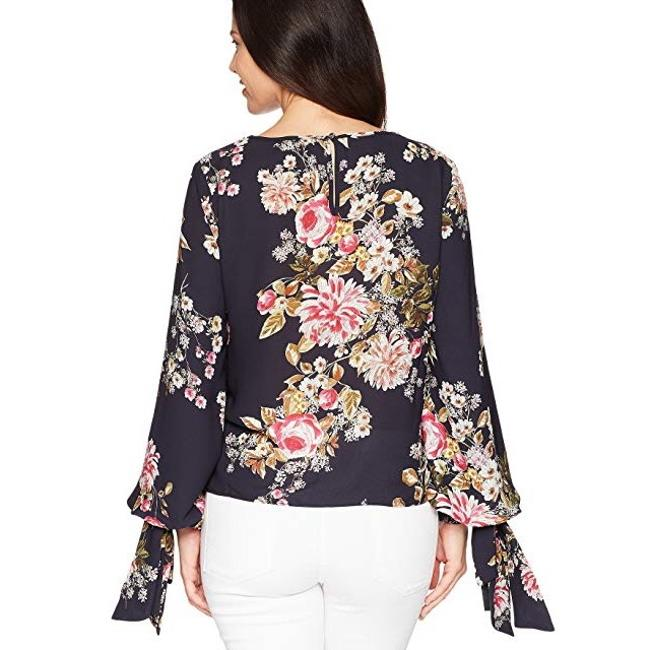 Vince Camuto Top Navy Image 8