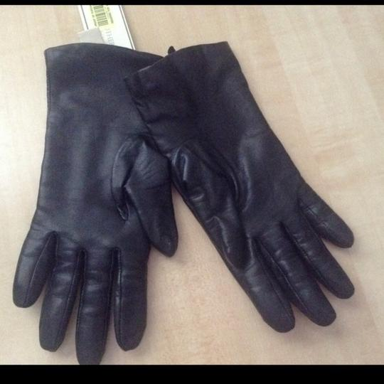 Fownes genuine leather and cashmere lined gloves Image 1