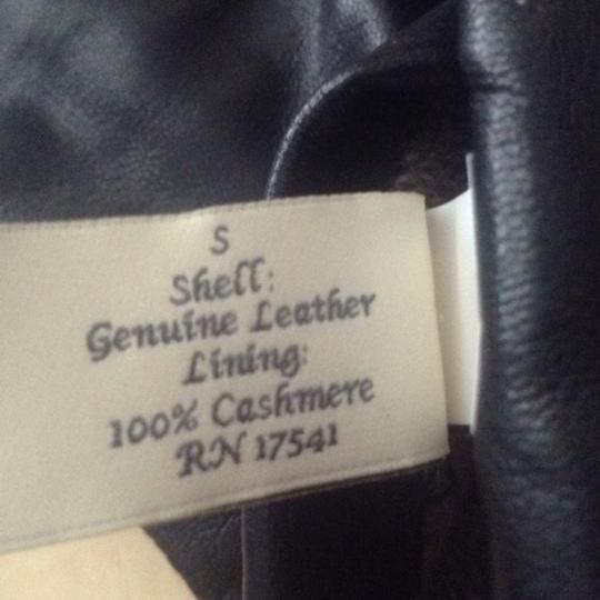 Fownes genuine leather and cashmere lined gloves Image 4