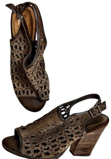 Preload https://img-static.tradesy.com/item/24177748/very-volatile-laser-cut-daisy-stacked-slingback-brown-fall-shoes-bootsbooties-size-us-9-regular-m-b-0-1-540-540.jpg