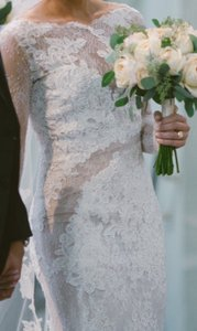 Pronovias Off White Lace with Beige Liner Varel Sexy Wedding Dress Size 10 (M)
