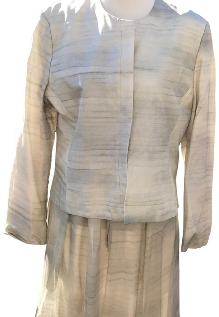 Item - Gray and Off White Vintage Silk Skirt Suit Size 14 (L)