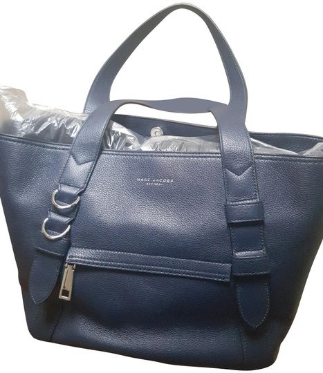 Preload https://img-static.tradesy.com/item/24179689/marc-jacobs-anchor-french-navy-lamb-leather-tote-0-1-540-540.jpg