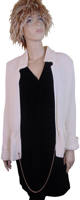 Preload https://img-static.tradesy.com/item/24180218/chanel-white-11p-off-cotton-knit-gold-chain-france-cardigan-size-12-l-0-1-650-650.jpg