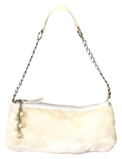 Preload https://img-static.tradesy.com/item/24180827/and-pearl-evening-off-white-faux-fur-wristlet-0-2-540-540.jpg