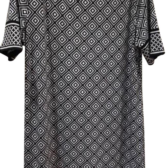 Preload https://img-static.tradesy.com/item/24181216/michael-michael-kors-black-and-white-patterned-short-workoffice-dress-size-14-l-0-1-650-650.jpg