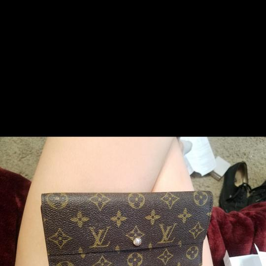 Preload https://img-static.tradesy.com/item/24181256/louis-vuitton-wallet-0-0-540-540.jpg