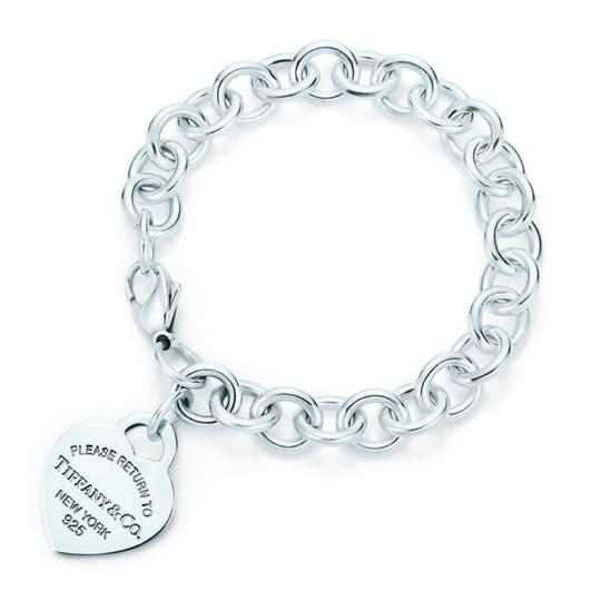 Preload https://img-static.tradesy.com/item/24181264/tiffany-and-co-return-to-heart-tag-bracelet-0-1-540-540.jpg
