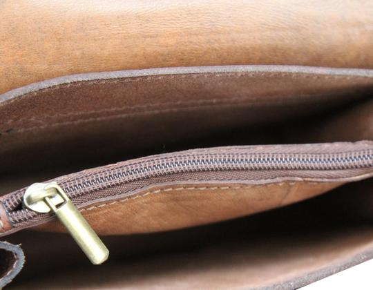 Preload https://img-static.tradesy.com/item/24181500/brown-leather-cross-body-bag-0-1-540-540.jpg