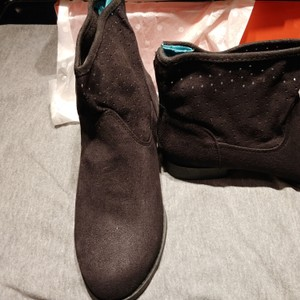 Lindsay Phillips Boots