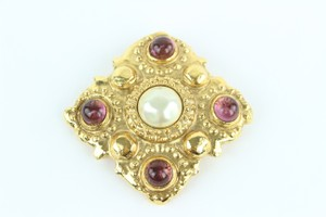 Chanel Gold Pearl Gripoix Stone 8cz1012 Brooch/Pin