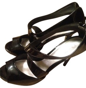Carlos by Carlos Santana Black Patent Leather Pumps