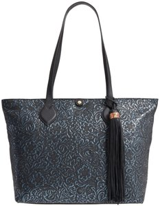 Tommy Bahama Tote in black