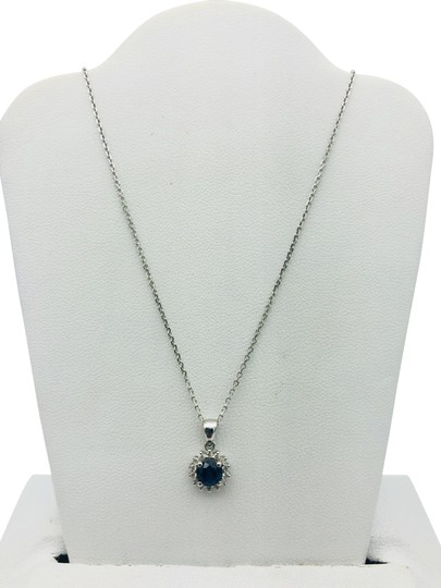 Preload https://img-static.tradesy.com/item/24183609/white-gold-sapphire-eye-catching-diamond-necklace-0-2-540-540.jpg