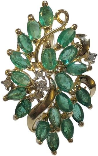 Preload https://img-static.tradesy.com/item/24184111/pure-green-emerald-14k-yellow-gold-cluster-pendant-vintage-c-1980s-charm-0-2-540-540.jpg
