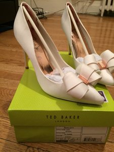 Ted Baker Ivory Skalett Formal Size US 9 Regular (M, B)