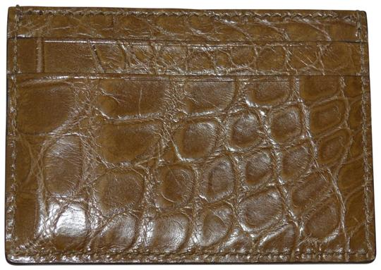 Preload https://img-static.tradesy.com/item/24187591/gucci-brown-crocodile-leather-card-case-made-in-italy-wallet-0-1-540-540.jpg
