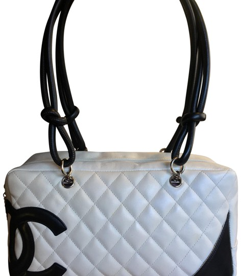 Preload https://img-static.tradesy.com/item/24187592/chanel-cambon-quilted-white-lambskin-leather-shoulder-bag-0-1-540-540.jpg
