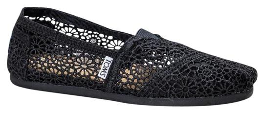 Preload https://img-static.tradesy.com/item/24187683/toms-black-classic-crochet-slip-on-flats-size-us-75-regular-m-b-0-1-540-540.jpg