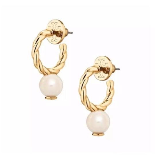 Preload https://img-static.tradesy.com/item/24188137/tory-burch-gold-rope-logo-bead-hoop-earrings-0-0-540-540.jpg