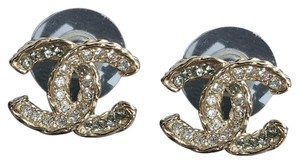 Chanel chanel cc logo crystals gold hardware stud earrigs