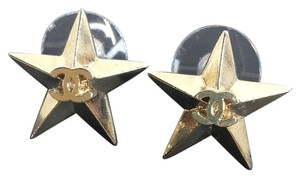 Chanel CHANEL CC LOGO STAR GOLD STUD EARRINGS