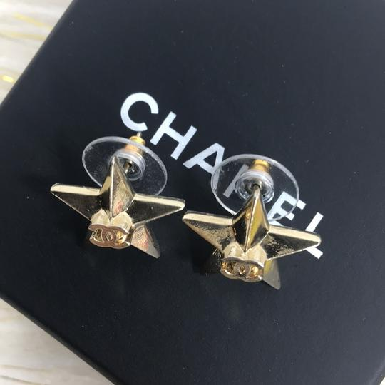 Chanel CHANEL CC LOGO STAR GOLD STUD EARRINGS Image 1