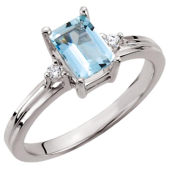 Preload https://img-static.tradesy.com/item/24189223/apples-of-gold-octagon-faceted-aquamarine-and-diamond-in-14k-white-ring-0-0-540-540.jpg