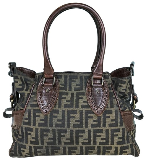 Preload https://img-static.tradesy.com/item/24189376/fendi-zucca-brown-leather-green-canvas-tote-0-1-540-540.jpg