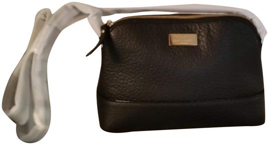 Preload https://img-static.tradesy.com/item/24189445/kate-spade-hanna-wkru-5068-prospect-place-black-cow-leather-cross-body-bag-0-1-540-540.jpg
