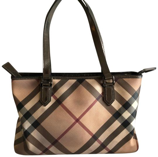 Preload https://img-static.tradesy.com/item/24189628/burberry-nova-check-leather-tote-0-1-540-540.jpg