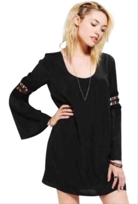 Preload https://img-static.tradesy.com/item/24189640/stone-cold-fox-black-night-out-bell-sleeve-mini-short-cocktail-dress-size-0-xs-0-1-650-650.jpg
