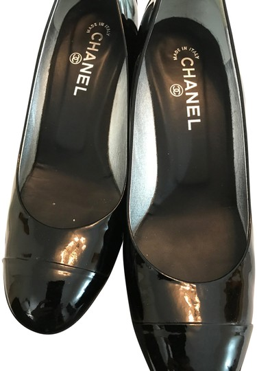 Preload https://img-static.tradesy.com/item/24189830/chanel-black-patent-leather-cc-logo-metal-pumps-size-eu-405-approx-us-105-regular-m-b-0-1-540-540.jpg