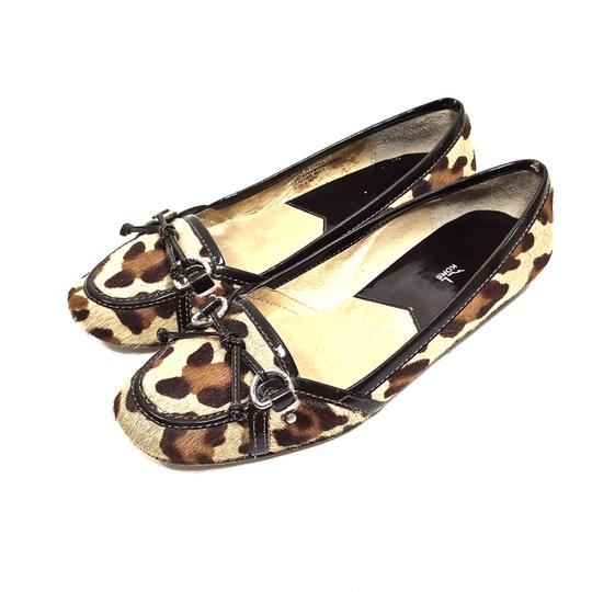 Preload https://img-static.tradesy.com/item/24189882/michael-michael-kors-leopard-print-calf-hair-and-brown-patent-leather-loafer-flats-size-us-85-regula-0-0-540-540.jpg