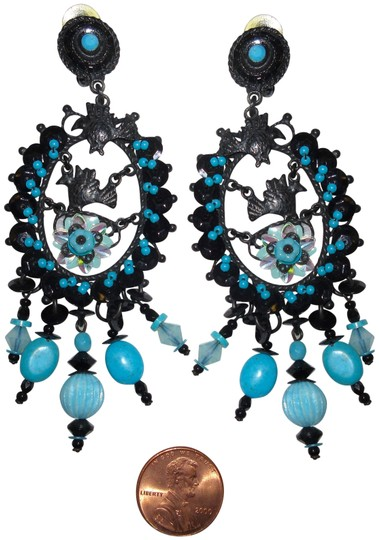 Preload https://img-static.tradesy.com/item/24189960/blue-and-black-vintage-gas-bijoux-bead-clip-chandelier-dangle-statement-earrings-0-1-540-540.jpg