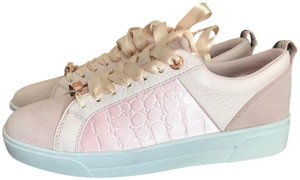 bc6b6d859fc00 Women s Pink Ted Baker Shoes - Up to 90% off at Tradesy