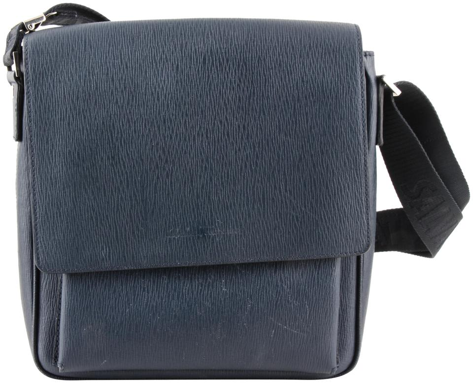 bb46323ba5c7 Salvatore Ferragamo Navy Revival Messenger Blue Leather Cross Body ...